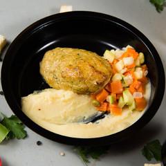 Котлета рыбная с картофельным пюре