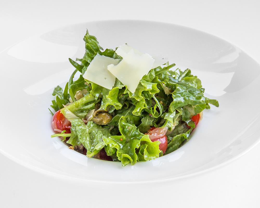 Салат из тунца с яйцом огурцом